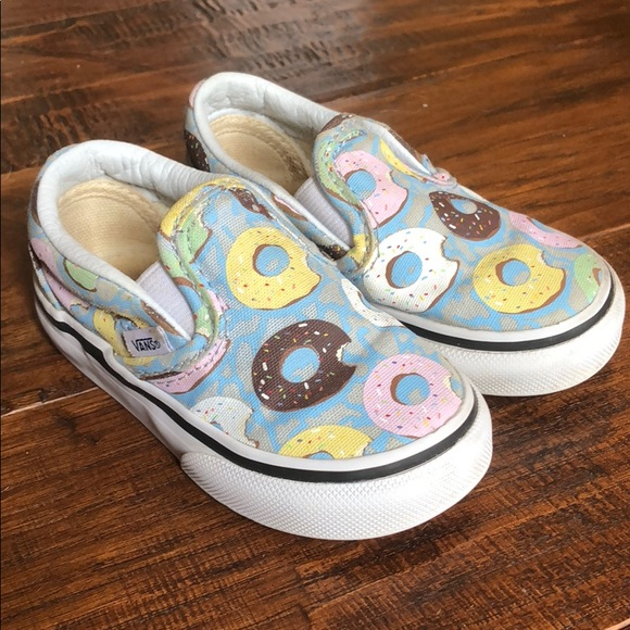 e32d9c51c7 Vans toddler slip-on donut shoes 🍩. M 5b43a3d37386bc5f5af0a0e5